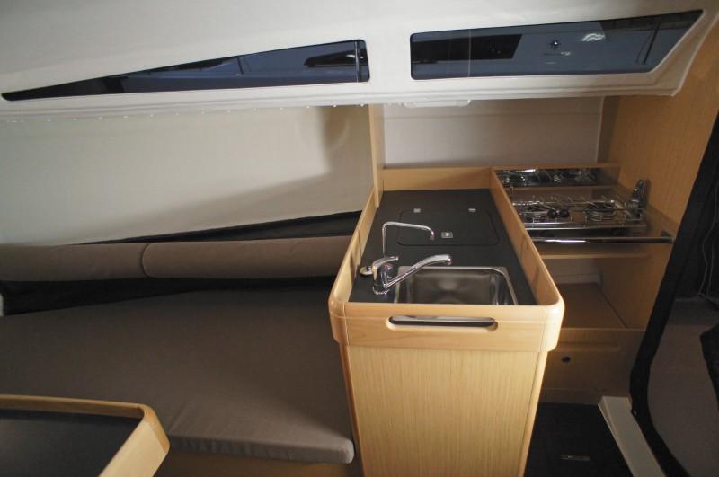 boat-Sun-Fast-3200_interieur_2013112015520031