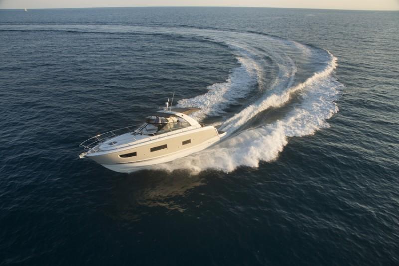 boat-Leader40_exterieur_2014051415452139